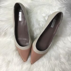 Tahari Kat Kitten Heel Pumps in Vanilla/Dusty Pink